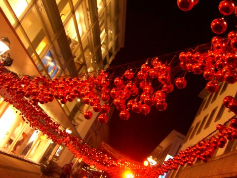 rot rot rot sind alle meine Christbaumkugeln