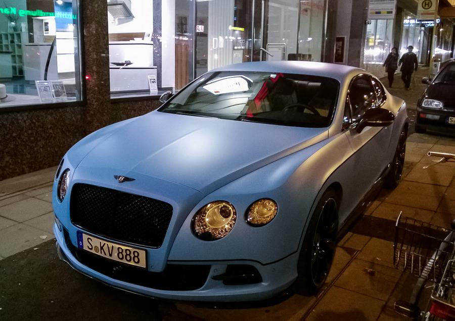 Bentley, baby-blau, matt