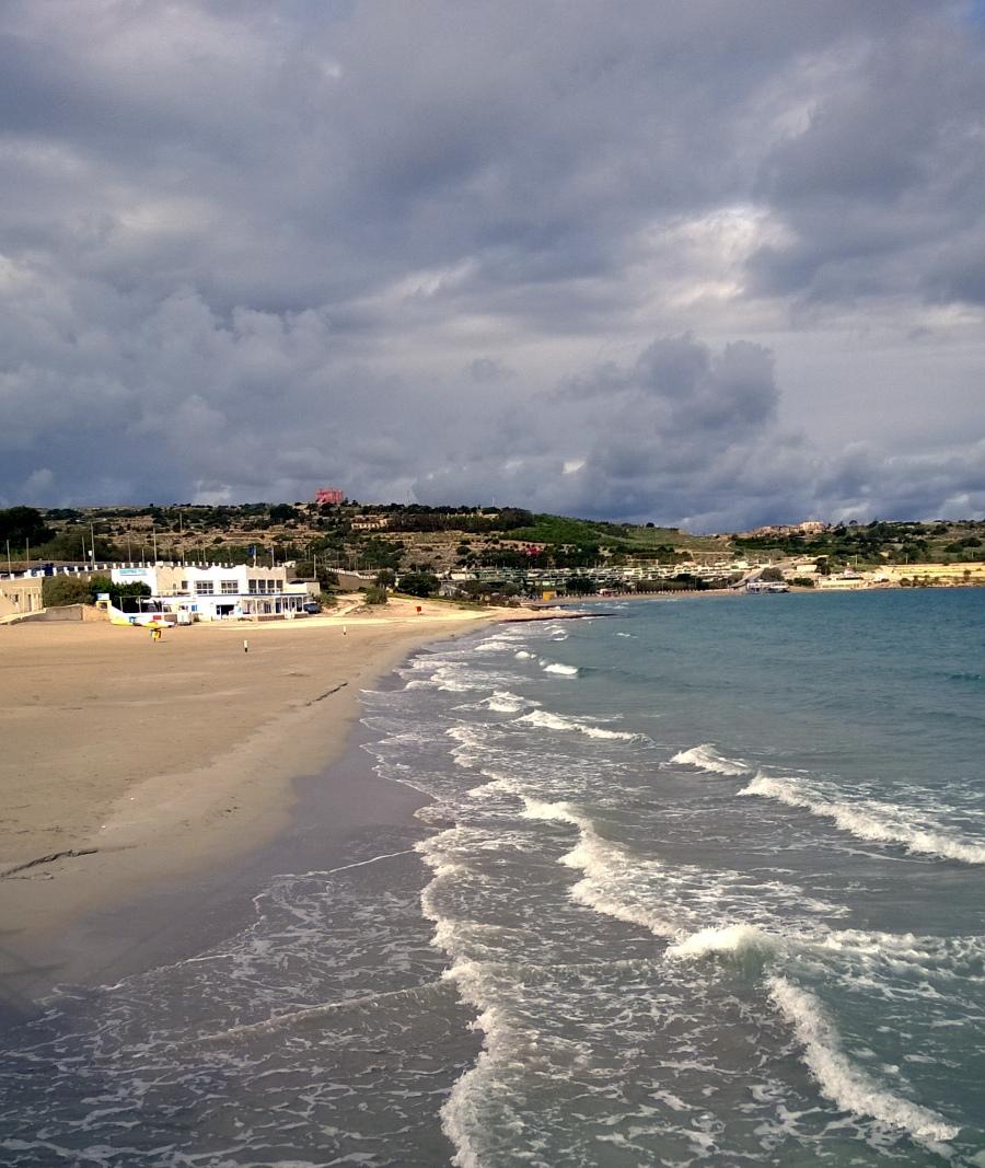 der Strand lädt nicht unbedingt zum Baden ein