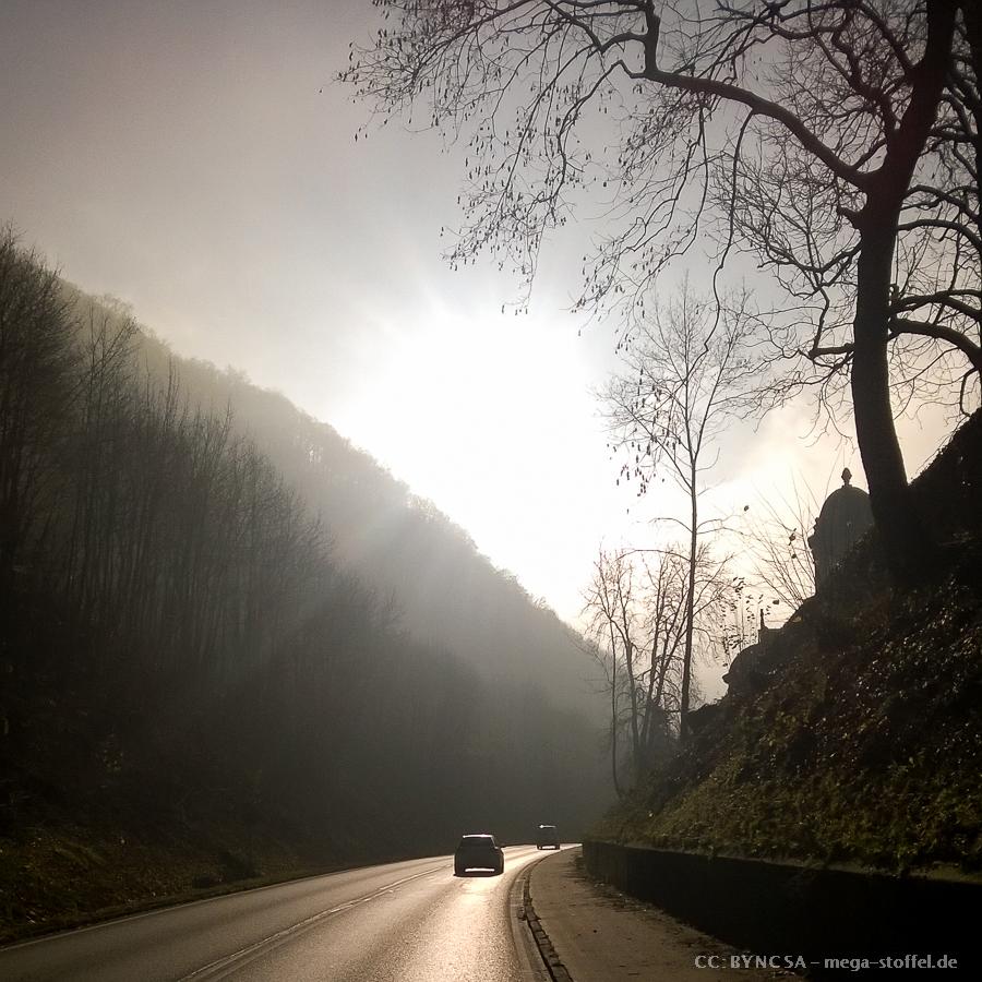 die Geislinger Steige im morgendlichen Herbst-Nebel