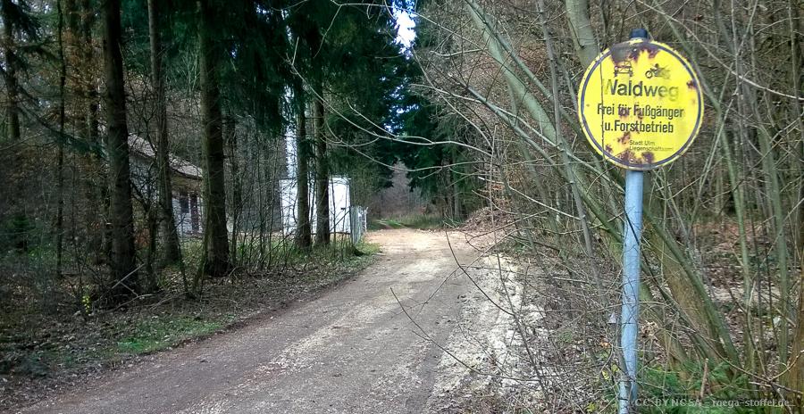 Waldweg-Schild ohne Fahrrad-Nennung