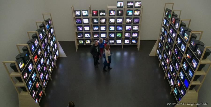 131 Fernseher im Kunstmuseum