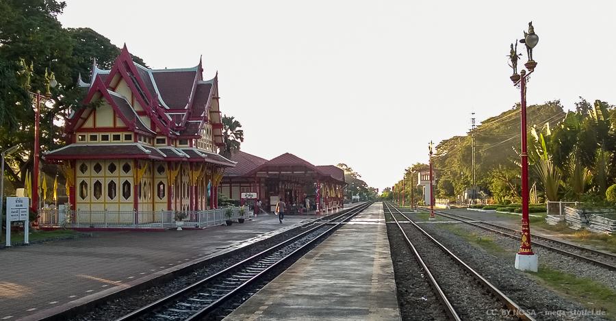 genau dieser Bahnhof!