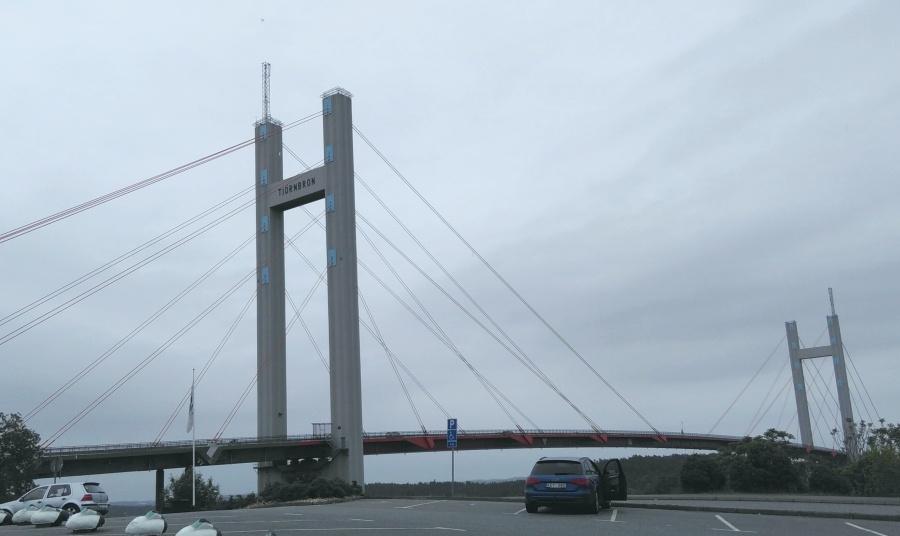 mal wieder eine große Brücke