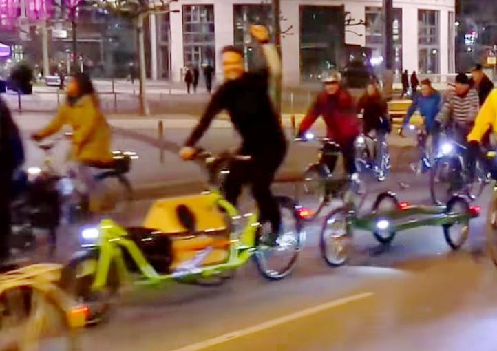 unterwegs mit Lastenrad und Anhänger