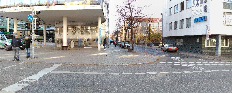geduldeter Falschparker, ganz normal in Stuttgart